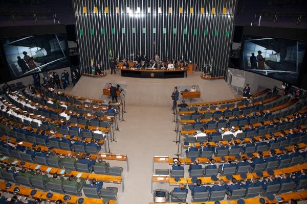 Parlamentares ressaltaram a importância das missões da Força Aérea ao longo de sete décadas