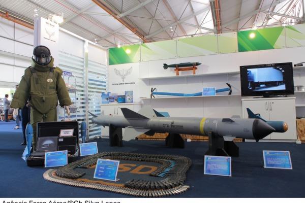 Mais de 100 empresas participam da na III Mostra da Base Industrial de Defesa que será realizada em Brasília de 02 a 06 de setembro