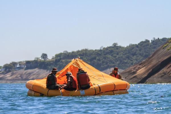 A parte mais difícil foi o exercício de sobrevivência no mar, que durou três dias
