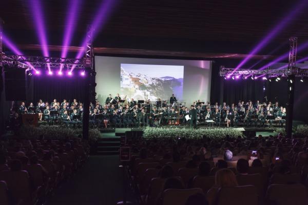 Show de 1h30 contou com a presença de músicos de outras unidades militares do país