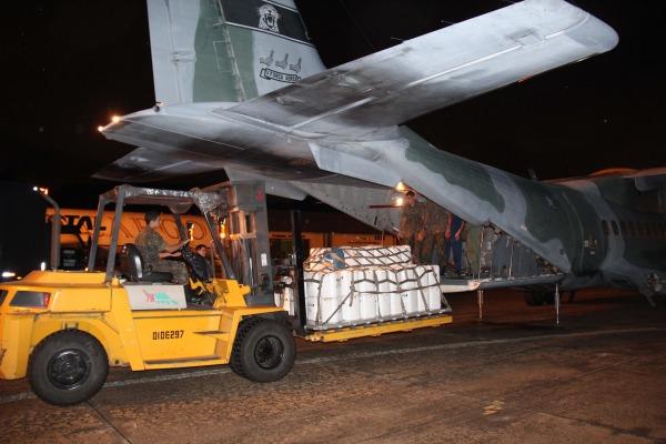 Além do cold fire, usado para resfriamento e extinção do fogo, a FAB transportou equipamento de análise atmosférica