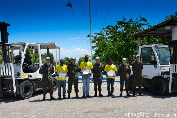 O objetivo é qualificar os haitianos para que possam contribuir no desenvolvimento da sociedade local