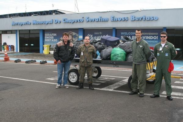 Militares doaram cerca de 500 kg de agasalhos