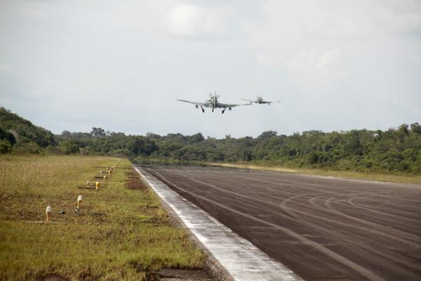 No exercício estão sendo utilizados aviões  A-29 Super Tucano, C-98 Caravan e E-99