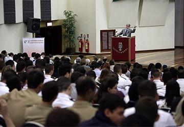 Participam do evento 260 estudantes de 33 universidades de todo o Brasil