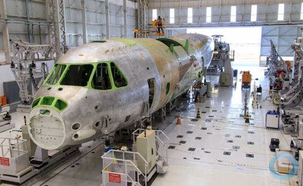 FAB e Embraer Apresentam Novo Avião Cargueiro na Terça