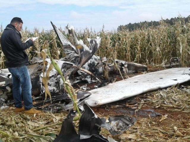 Avião encontrado queimado na fronteira com Paraguai era de empresa brasileira