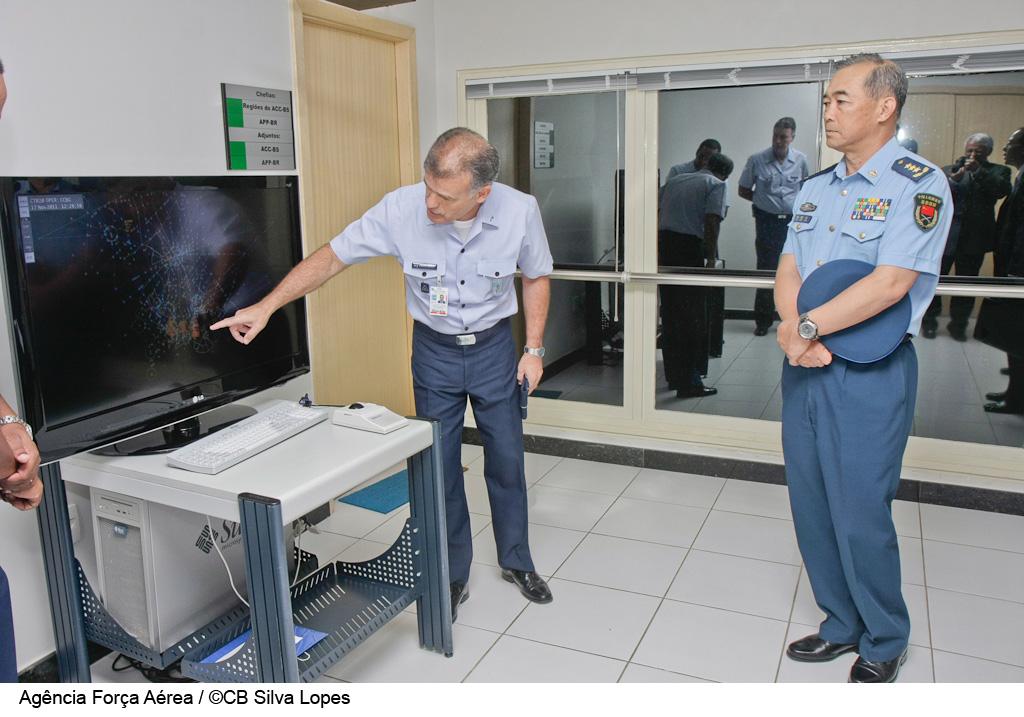 TRÁFEGO AÉREO- Vice-Chefe das Forças Armadas da China conhece sistema de tráfego aéreo brasileiro