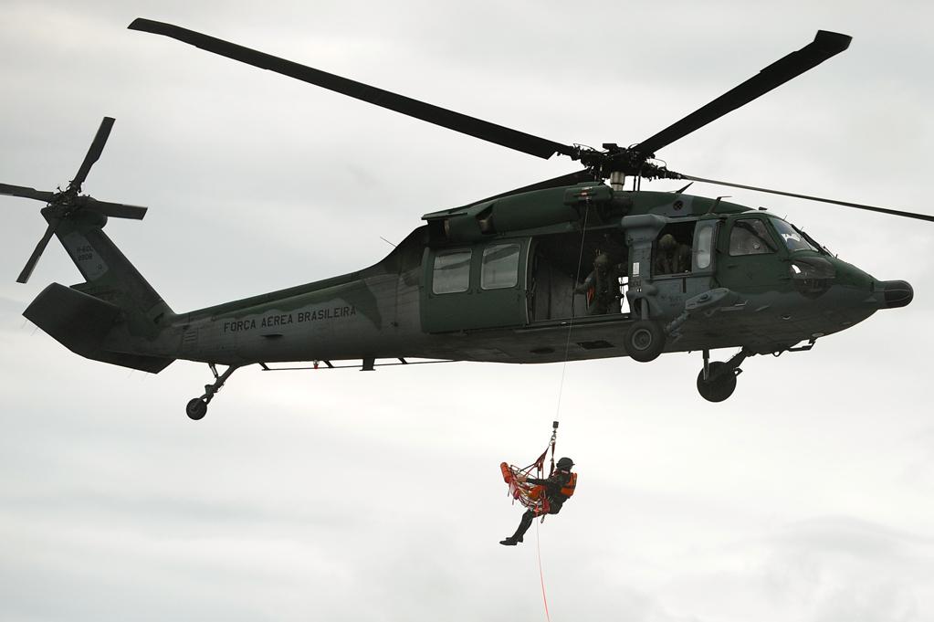 OPERAÇÕES – Esquadrão de helicópteros (5º/8º GAV) realiza treinamento em Florianópolis