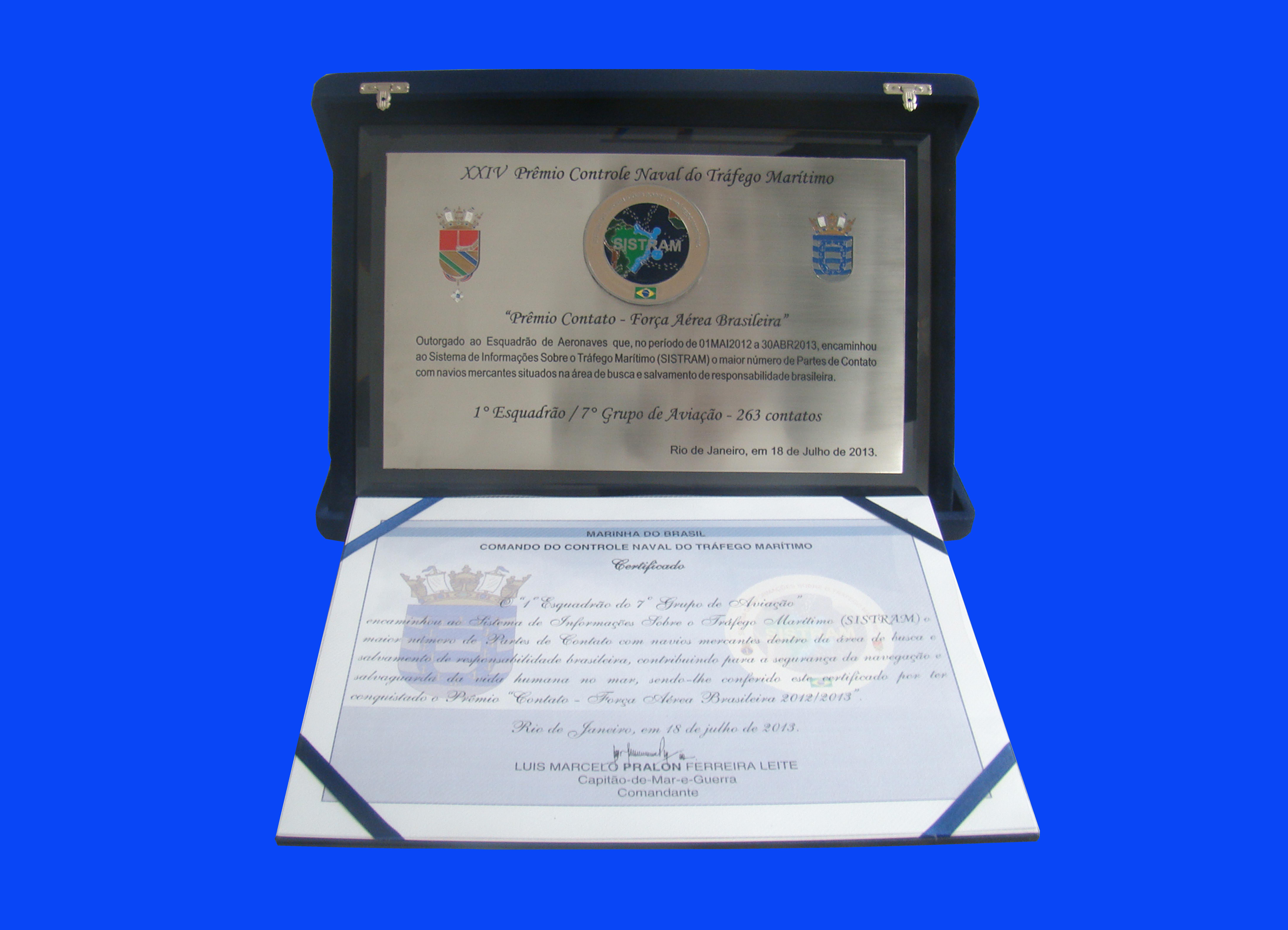 Esquadrão Orungan recebe prêmio Controle Naval de Tráfego Marítimo Placa%20cecomsaer