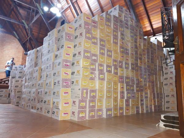 Material armazenado aguardando a distribuição