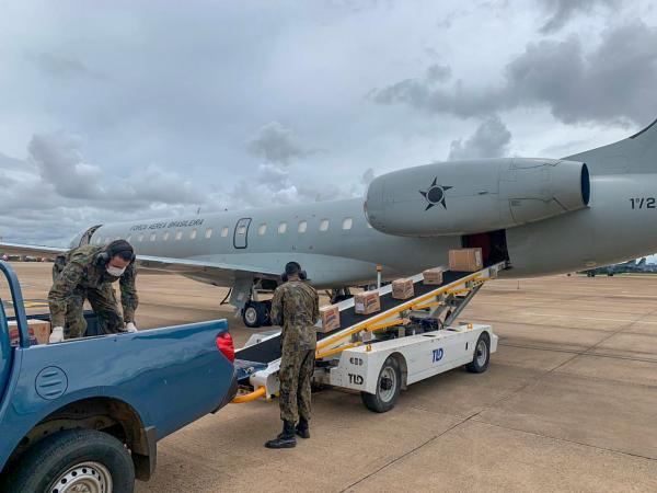 Materiais de saúde para o enfrentamento à pandemia do novo Coronavírus foram transportados para Brasília (DF) e Boa Vista (RR)