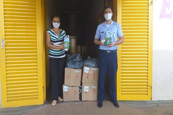 Foram entregues 400 kits de higiene pessoal e bucal para as famílias das crianças atendidas pelo PROFESP