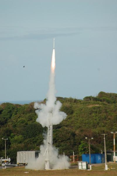 Lançamento do foguete da Operação Barreira V  CLBI
