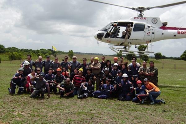 Equipe do Curso de Resgate Aeromédico