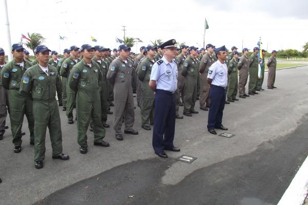 O Esquadrão Rumba (1º 5º GAV) comemorou seu 65º aniversário no dia 20 de  abril, com a realização de solenidade militar na Base Aérea de Fortaleza,  ... 61d901a47c