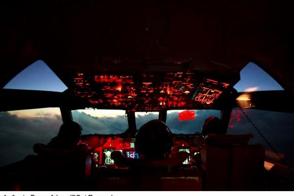 Vídeo: P-3AM da Força Aérea Brasileira em missão de guerra antissubmarina (ASW)