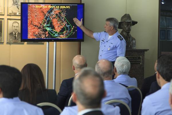 Diretor do Decea apresenta os primeiros resultados do Programa Sirius  Agência Força Aérea/Sgt Rezende