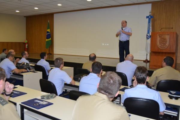 Brigadeiro Lourenço abre o curso  CENIPA