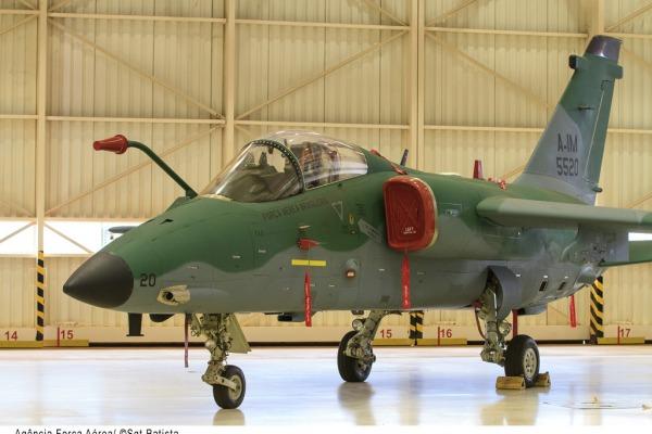 Primeiro A-1M da FAB  Agência Força Aérea
