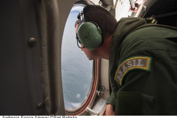 A missão de busca visual acontece a baixa altitude