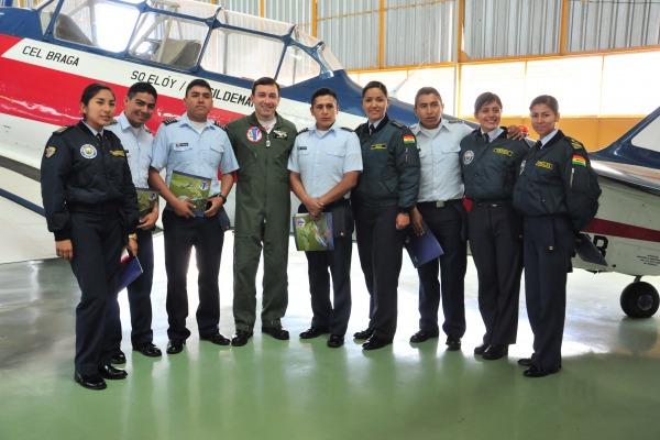 Cap Av Garcia recepciona cadetes da FAeBOL  Cb Diego