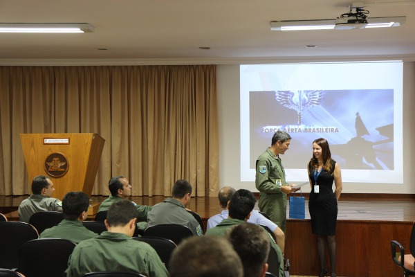 Entrega de Certificado  Seção de Comando do GTE