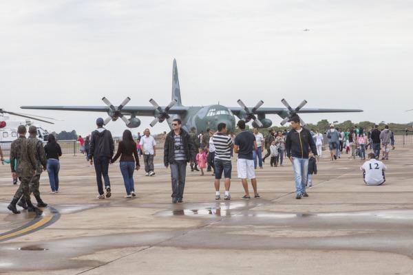 A aeronave C-130 Hércules foi a mais visitada pelo  Cabo V. Santos/Agência Força Aérea