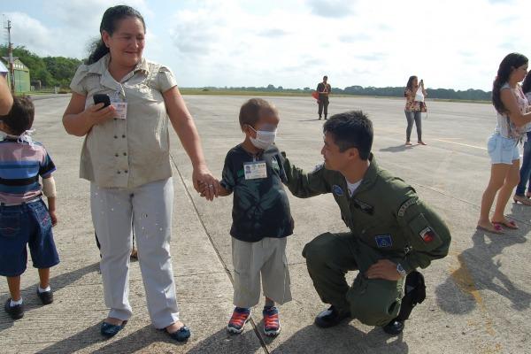 Crianças em  tratamento contra o câncer realizaram o sonho de voar  BABE