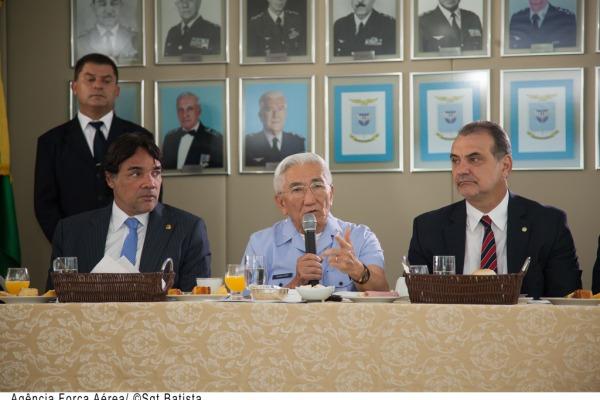 Parlamentares foram recebidos pelo Comandante da Aeronáutica  Agência Força Aérea/Sargento Batista