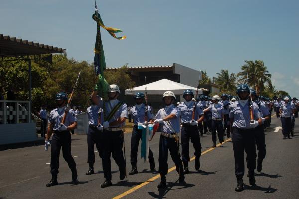 Cerimônia militar marca aniversário da Barreira do Inferno  CLBI