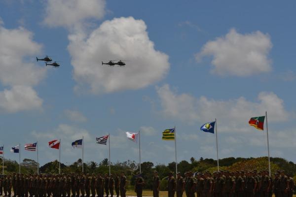 Passagem Aérea dos helicópteros durante solenidade militar  1°/11° GAV