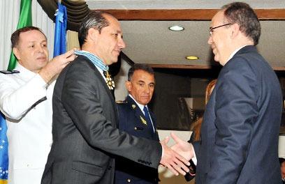 Autoridades equatorianas recebem Ordem do Mérito Aeronáutico  Ministério da Defesa do Equador