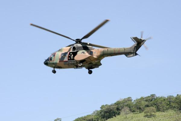 O helicóptero H-34 Super Puma participa das buscas a aeronave desaparecida  Sargento Rezende / Agência Força Aérea