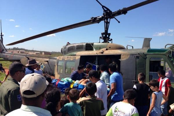 Militares da FAB resgatam homemem estagrave no int  Esquadrão Pelicano