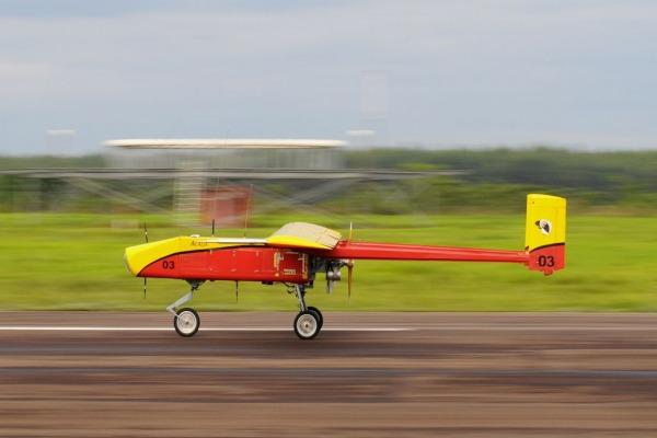 O pouso automático do protótipo Acauã foi a principal meta do projeto  Cap Eduardo Bento Guerra/ CTEx)