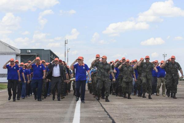 Ex-integrantes do Para-Sar também desfilaram na cerimônia  Ten Enilton/Agência Força Aérea
