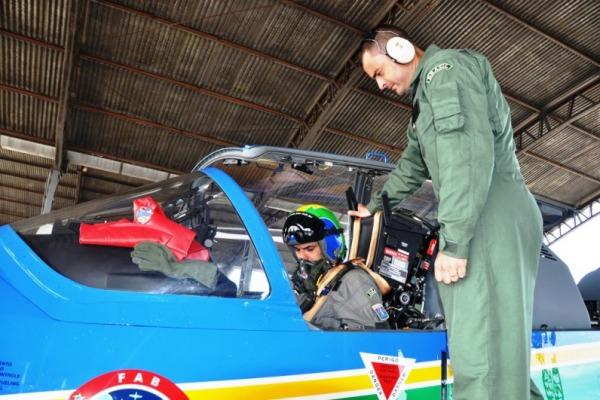 Pilotos da Fumaça treinam em Anápolis  Sgt Bruno/EDA
