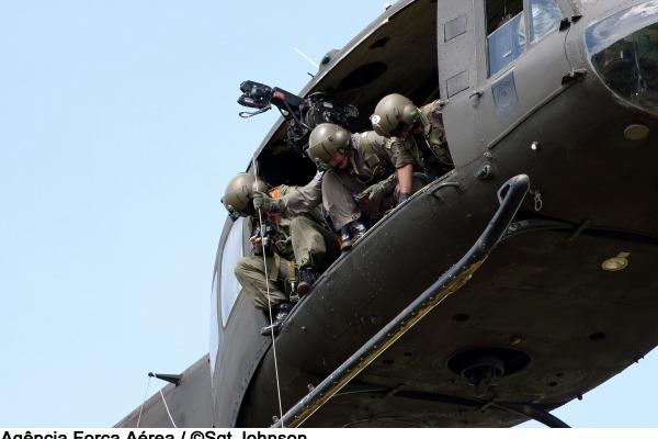O esquadrão resgatou mais de três mil pessoas  Sargento Johnson / Agência Força Aérea