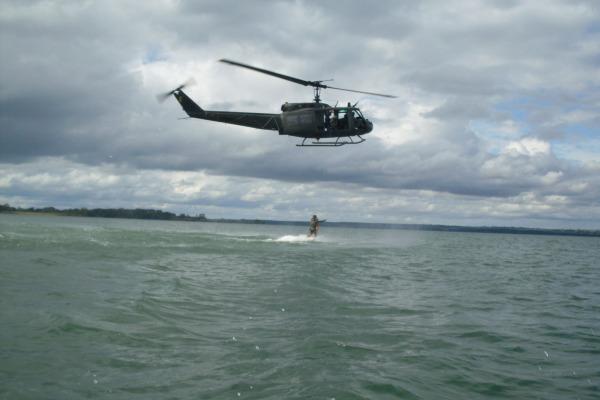 O Esquadrão resgata navios, embarcações e aeronaves  Sargento Johnson / Agência Força Aérea