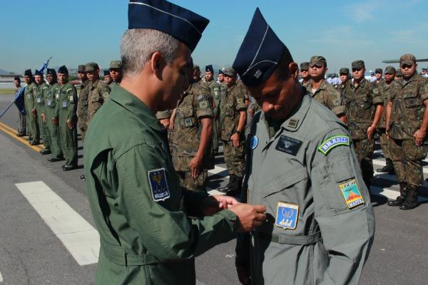 Cerimônia oficializa mudança de Comando do 1° GTT e 1°/2° GT   3S BFT Marllon