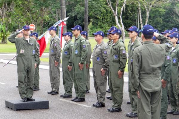 Passagem de Comando 2°/8°  Sargento M. Oliveira/ BAPV