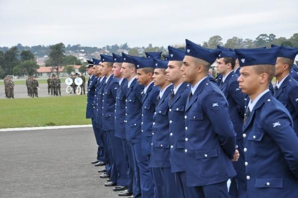 Incorporação de novos soldados em Curitiba (PR)  CINDACTA II