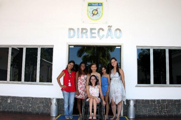 Luane, Ana Clara, Júlia e alguns dos coordenadores  1S BFT Pessanha