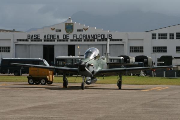 A Base Aérea de Florianópolis recebe as aeronaves  BAFL
