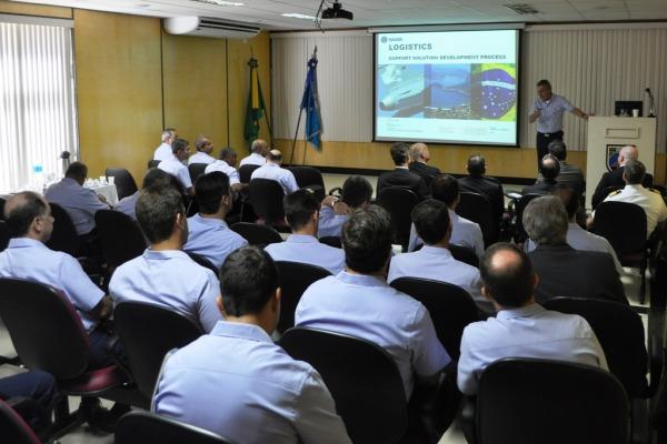 Suporte logístico para Gripen é tema de reunião  3S Marques/COMGAP