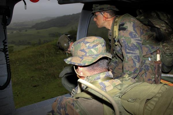 sobrevoo de Black Hawk em Florianópolis   1S Paulo Rezende
