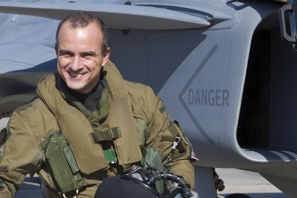 Piloto explica como foi processo de avaliação do Gripen. Equipe testou cerca de 400 itens em diferentes fases do voo