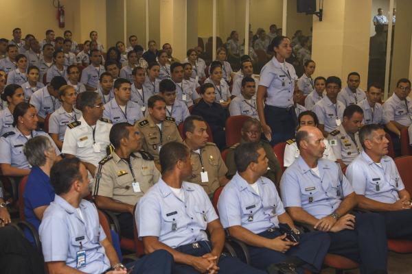 Aulas incluem uso de mídias sociais, cerimonial, gerenciamento de crise e oficinas práticas