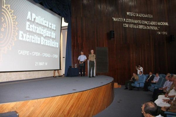 Palestra do Comandante do Exército  SO BFT Tostes/ 1S BFT Alvarez